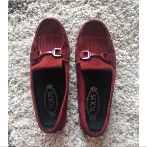 Tod's Gommino Driving shoes in Burgundy Suede